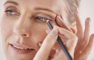 باید و نباید های آرایش کردن زنان مسن