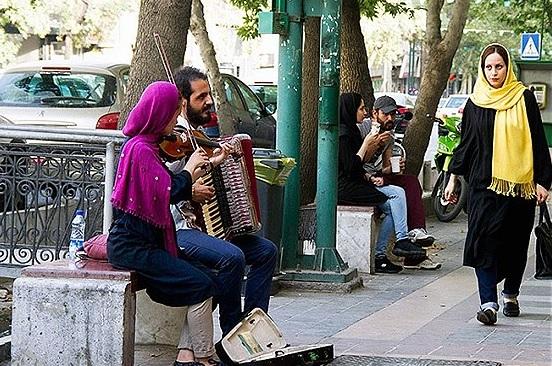 میزان درآمد نوازندگان خیابانی