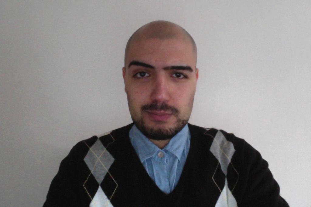 نریمان غریب مجری من و تو عامل تحریم اپل نسبت به اپلیکیشن های ایرانی