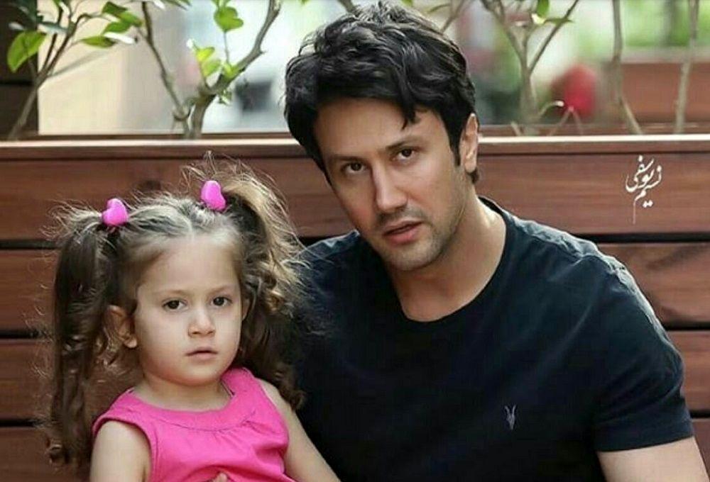 انگلیسی حرف زدن شاهرخ استخری با دخترش + فیلم