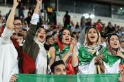 تصاویر حضور زنان در ورزشگاه آزادی در بازی ایران - کامبوج