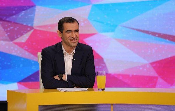 مجید حسینی، استاد مبارز با مافیای کنکور در انتخابات مجلس ثبت نام کرد