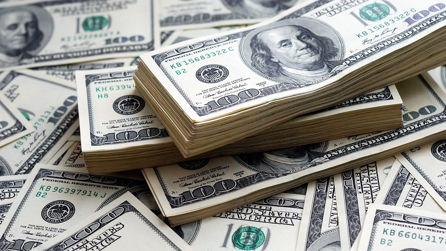 دلار در آستانه ۱۹ هزار تومان