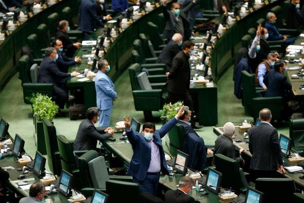معرفی رئیس جمهور به قوه قضائیه توسط نمایندگان انقلابی